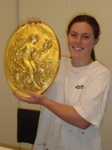 discover-gilding-oval-plaque1